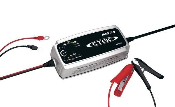 Nabíječka baterií 12V 7A CTEK MULTI XS 7,0