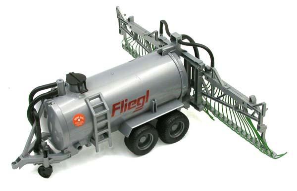 Bruder - cisterna Fliegl s postřikovačem