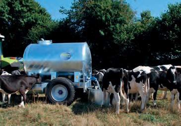 Cisterna na vodu za traktor Pasdelou 2000 l zinkovaná pro provoz na farmě