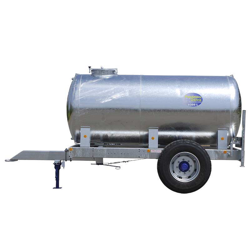Cisterna na vodu za traktor Pasdelou 6200 l zinkovaná pro provoz na farmě