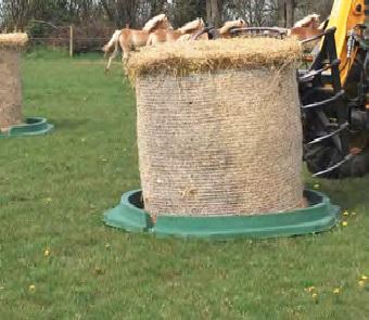 Dno pro plastový krmelec zvon La GÉE pro ovce a kozy 153 cm 12 míst