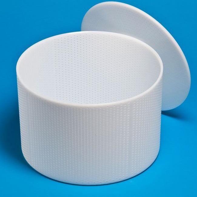 Lisovací forma na sýr kulatá se dnem a lisovacím diskem na polotvrdý a tvrdý sýr 5-6 kg