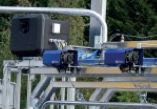 Sada 2 elektrické navijáky na podbřišníky pro paznehtářské klece PASDELOU OPTIPLUS